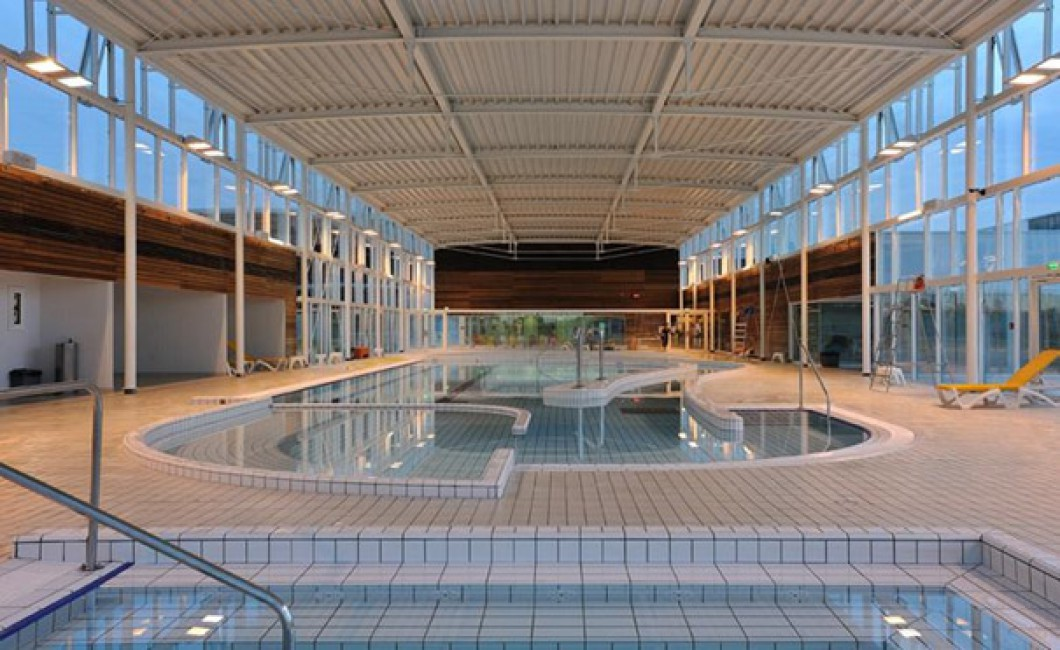 Centre nautique chalon sur saone logis les charmilles for Piscine de grand champ
