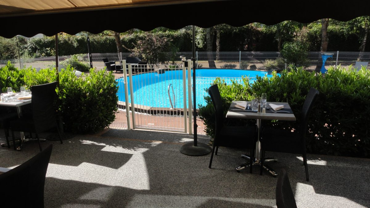 Hotel Chalon proche autoroute piscine parking